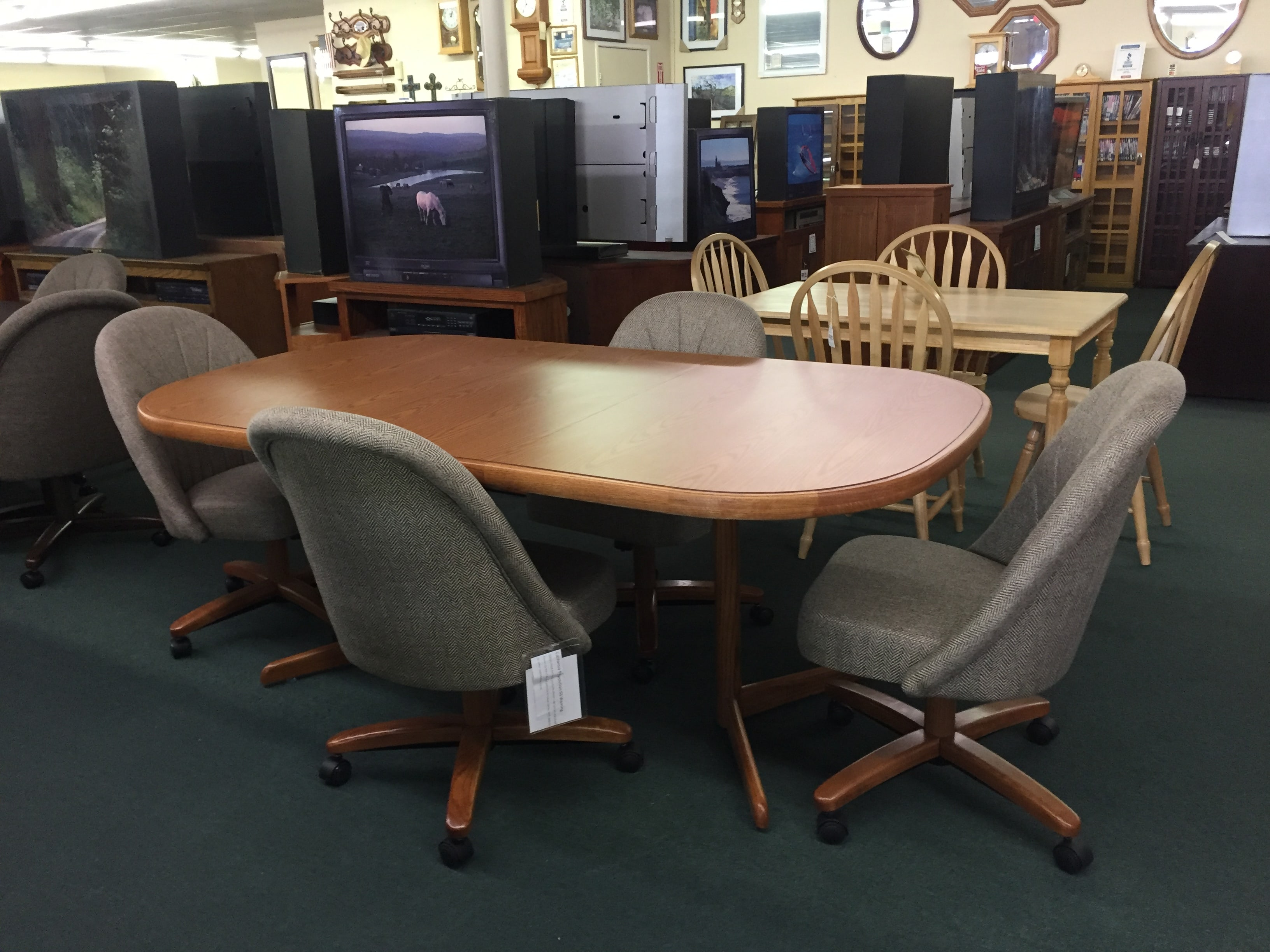 the madera ca stores store furniture in s proximity shop pin mattress doors your with at universal entertainment unit for fashion fresno console hudson